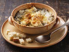 Avec les lectrices reporter de Femme Actuelle, découvrez les recettes de cuisine des internautes : Soupe à l'oignon light