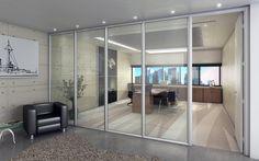 Divisória Piso-Teto   Gabbinetto  #Divisória Vidro Simples com aplicação de vidro único. Uma solução leve e elegante para os ambientes. #office #officefurniture #mobiliariocorporativo #divisorias