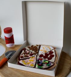 "9"" Felt Food Pizza Time Set Includes Six Different Slices, Box, Seasoning Shaker…"