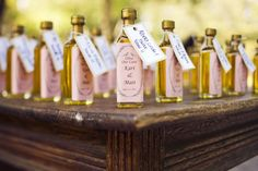 Wedding favors like I have never seen before! This is so creative and who doesn't need some olive oil around the house?! Creative and useful all in one!