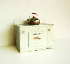 Vintage Toy Metal Little Chef Stove by Tacoma Metal Products, c.1940's