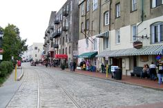 Heading to Savannah, Georgia? Let Jonna Levine be your guide. This is Spilling the Beans, where a city& most in-the-know barista gives us the lowdown on where to go, what to do, and what to eat (and drink) in their hometown. Savannah Georgia, Savannah Chat, Tybee Island, Vacation Spots, Vacation Ideas, Short Vacation, Nice View, Where To Go, Day Trips