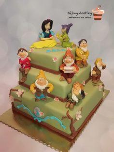 Snow White and Seven Dwarfs cake