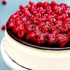 Raspberry Chocolate Ganache Cheesecake with Oreo Crust - only the best cheesecake EVER!