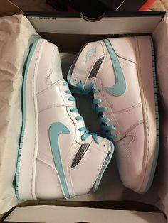 All Nike Shoes, Hype Shoes, New Shoes, Jordan Shoes Girls, Girls Shoes, Swag Shoes, Aesthetic Shoes, Fresh Shoes, Trendy Shoes