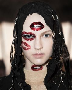 """""""#Cultcore ⚡️⚡️⚡️ @jgalliano @maisonmargiela @lexyroche January 2016. #LOVE these surreal tumbling lips studded with red crystals and pearl teeth ❤️❤️❤️…"""""""