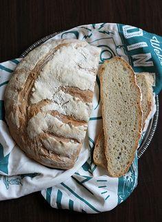 Chleb orkiszowy na zaczynie drożdżowym