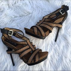 LAMB SZ 6 L.A.M.B STRAPPY HEELS SHOES NEW L.A.M.B. Shoes