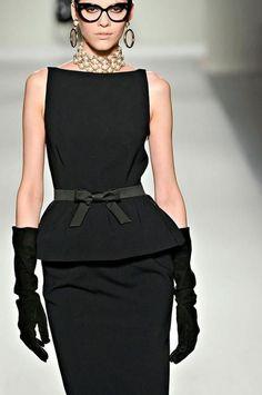 Moschino: the famous little black dress ! via: