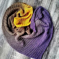 Ravelry: Arlequin Shawl pattern by peggy maxheim Knitting Stitches, Knitting Patterns Free, Free Knitting, Ravelry, Knit Wrap, Shawl Patterns, Garter Stitch, Knitted Shawls, Shawls And Wraps