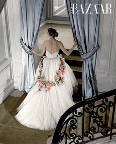 Vintage Evening Gowns, White Evening Gowns, Miss Dior, John Galliano, Christian Dior, Yves Saint Laurent, Dior Gown, Rose Gown, Haute Couture Gowns