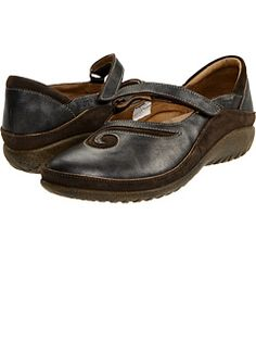Supposedly good for people with bunions. Here's hoping!!!! Bunion Shoes, Black Suede, Black Leather, Naot Shoes, Most Comfortable Shoes, Only Shoes, Women's Feet, Brown Shoe, Free Clothes