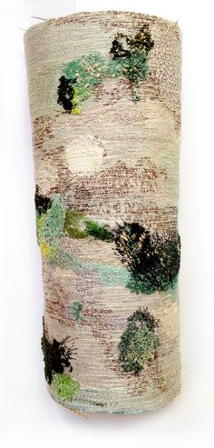 Machine embroidered bark and lichen by the amazing Amanda Cobbett! https://www.facebook.com/amanda.cobbett