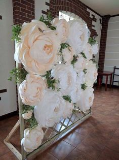 Discover thousands of images about Paper Flower Backdrop Paper Flower Wall Paper by MioGallery Giant Paper Flowers, Diy Flowers, Wedding Flowers, Paper Flower Backdrop Wedding, Floral Backdrop, Paper Flower Wall, Wall Of Flowers, Paper Wedding Decorations, Flower Ideas
