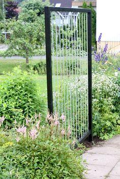 Billedresultat for planteringar pergola Wall Trellis, Garden Trellis, Garden Gates, Garden Art, Garden Design, Garden Workshops, Garden Structures, Edible Garden, Outdoor Projects