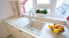 Mobila bucatarie clasica L-Shape - Mobila la comanda MOBIERA Iasi Kitchen Interior, Alcove, Sink, Bathtub, Bathroom, Home Decor, Sink Tops, Standing Bath, Washroom