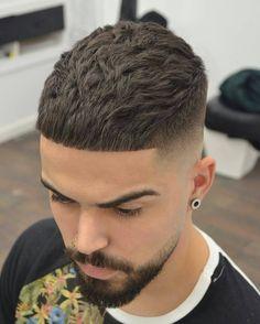 """#Repost @jose_pvlgbarbershop ・・・ TxureNaturalHairCut ✂️ #thebarberpost #sharpfade #fashionable #hattorihanzo #barbershopconnect #barbercinctv…"""