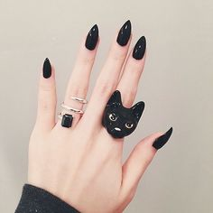 Black x Black | Nil Cat Ring | Find your favorite pieces at www.GOODAFTERNINE.com | Photo credit @sonshinex3 Thanks for lovely photo ❤️ (at www.goodafternine.com)