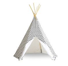 The Arizona Teepee in black & white zig zag pattern from Nobodinoz is the perfect play tent for your little ones. These adorable tipis will create adventure Childrens Teepee, Teepee Kids, Teepee Tent, Teepees, Licht Box, Tapis Design, Funky Design, Decoration Design, Bedroom Vintage
