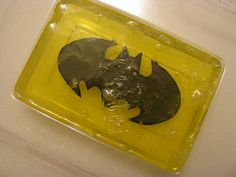 DIY Batman Soap Tutorial - BATH AND BEAUTY