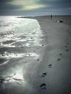 Black sand beaches in Iceland  CLICK THE PIC and Learn how you can EARN MONEY while still having fun on Pinterest