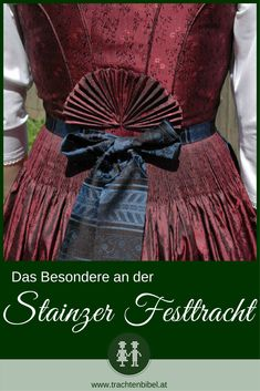 Das Besondere an der Stainzer Festtagstracht ist der Stainzer Fächer am Rücken. Dieses festliche Dirndl ist aus Baumwollbrokat. #trachtenkunde 3d Fashion, Fashion Fabric, German Folk, Folk Costume, Fabric Manipulation, Daily Wear, Clothing, How To Wear, Closet