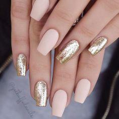 Beautiful Mismatched nail art design - Pink and gold nails, nude nails ,nail acrylic ,nails Classy Nail Designs, Nail Art Designs, Nails Design, Acrylic Nail Designs Glitter, Classy Nails, Trendy Nails, Pink Und Gold, Coffin Shape Nails, Coffin Nails Short