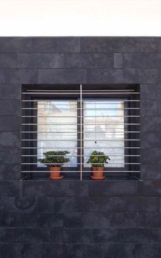 Best Golf Chipping Tips Balcony Railing Design, Burglar Bars, Window Design, Steel Door Design, Window Security, Modern Window Grill, Grill Door Design, House Front Design, Balcony Grill
