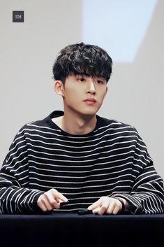 Mix And Match Ikon, Ikon Leader, Ikon Kpop, Yg Ent, Korea Boy, Kim Hanbin, Kpop Fashion, Handsome Boys, Kpop Groups