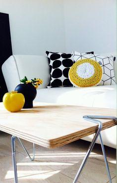Schwarz U0026 Weiß Mit Gelben Farbklecksen | SoLebIch.de Foto: Nomimi #solebich  #