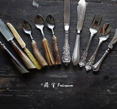 VINTAGE 西洋旧物 餐勺 角柄 纯银餐叉 餐刀 美食摄影道具-淘宝网 Flatware, Antiques, Tableware, Kitchen, Antiquities, Cutlery Set, Antique, Dinnerware, Cooking