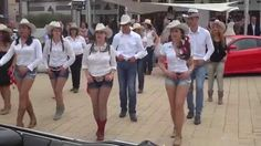Summer show: live country line dance; music track has been substituted. Danse Country, Musica Country, Country Music Videos, Country Music Singers, Usa Songs, Country Line Dancing, Church Songs, Dance World, Bolero