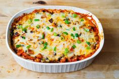 Black Bean and Butternut Squash Casserole - meatless and gluten-free dinner recipe! This Southwestern-style enchilada casserole is made with lots of vegetables and corn tortillas. I love making recipes with butternut squash in a casserole Lentil Recipes, Veggie Recipes, Mexican Food Recipes, Whole Food Recipes, Vegetarian Recipes, Cooking Recipes, Veggie Meals, Diabetic Recipes, Chicken Recipes