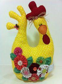 Atelie Cantinho DA ARTE: IDÉIAS PARA FAZER PESO DE PORTA Hobbies And Crafts, Diy And Crafts, Arts And Crafts, Sewing Toys, Sewing Crafts, Quilting Projects, Sewing Projects, Chicken Pattern, Chicken Crafts