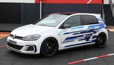 VW unveils Golf GTE Performance concept at 2017 Wörthersee Tour Golf Auto, Golf 7, Play Golf, My Dream Car, Dream Cars, Car Decals, Car Stickers, Vw Gol, Audi S4