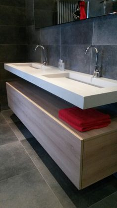The Best 2019 Interior Design Trends - Interior Design Ideas Contemporary Bathrooms, Modern Bathroom, Small Bathroom, Master Bathroom, Bathroom Vanity Units, Bathroom Layout, Toilet Tiles, Ideas Baños, Bathroom Design Inspiration