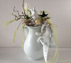 Door, wall and table rings are a familiar sight before and at Easter as traditional forms of jewelry Thin Christmas Tree, Beautiful Rabbit, Easter Fabric, Easter Art, Weekend Projects, Arte Floral, Photo Craft, Easter Wreaths, Easter Baskets