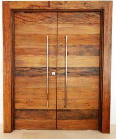 Demolition Wood Door - Demolition Wood - Decoração e paisagem . - Lilly is Love Wooden Main Door Design, Front Door Design, Wooden Front Doors, Wood Doors, Drawing Room Table Designs, Flush Door Design, Sliding French Doors, Flush Doors, Entrance Doors