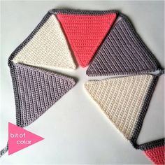 Bit of Color: gratis patroon Crochet Afgans, Free Crochet, Crochet Bunting, Crochet World, Lana, Diy And Crafts, Upcycle, Knitting, Projects