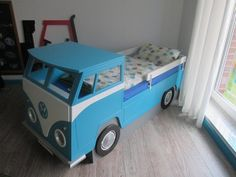 We all know the cute hippie Volkswagen Bus? It used to be a lot of hippies, but today it is sometimes priceless. And yet the bus has many fans and not without reason. We have the most beautiful crafting ideas regarding . Cool Beds For Kids, Diy For Kids, Volkswagen Bus, Van Bed, Kids Corner, Bed Storage, Kid Beds, Bed Design, Boy Room