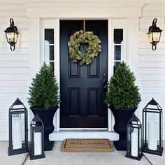 If you are looking for Modern Farmhouse Front Door Entrance Design Ideas, You come to the right place. Below are the Modern Farmhouse F. Front Door Entrance, House Front Door, House With Porch, Front Entrances, Front Door Decor, Front Door Makeover, Front Door Colors, Outside House Decor, Porch Makeover