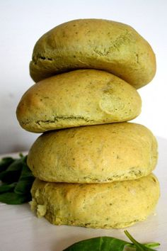 spinatboller I Love Food, Good Food, Yummy Food, Veggie Recipes, Snack Recipes, Healthy Recipes, Sandwiches, Bread Bun, Easy Snacks