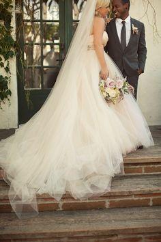 Rachel & Jared – romantic vintage wedding @ The Villa (Ashley Rose Photography)