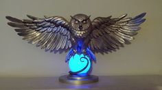 My Harry Potter Golden Owl statue Objet Harry Potter, Harry Potter Props, Harry Potter Owl, Harry Potter Bedroom, Harry Potter Wedding, Harry Potter Theme, Harry Potter Universal, Statue, Ravenclaw