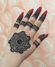 What is a Henna Tattoo? Henna tattoos are becoming very popular, but what precisely are they? Round Mehndi Design, Modern Henna Designs, Henna Tattoo Designs Simple, Indian Henna Designs, Finger Henna Designs, Henna Art Designs, Stylish Mehndi Designs, Mehndi Designs For Beginners, Mehndi Designs For Fingers