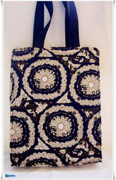 Alegría para el lunes con este bolso con sorpresa.  Y donde está la sorpresa?  Ah, aun no se puede enseñar! !!