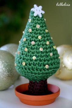 Christmas tree – free amigurumi pattern