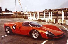 vs-design:  1967 Thomassima 2by Tom Meade The second Thomassima, realize by the famous Maserati and Ferrari customer Tom Meade in the sixties. Based on a Cooper frame with a Ferrari V12!