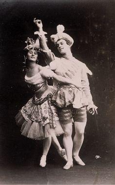 Anna Pavlova and Vaslav Nijinsky as Armida and her slave in 'Le Pavillon d'Armide', 1907.