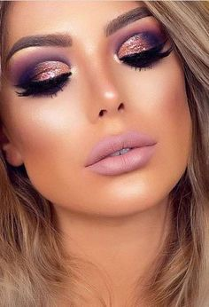 make up Gold makeup as well as pink makeup is really jazzy right now. Have you already tried this charming and trendy makeup look? Gold Makeup Looks, Rose Gold Makeup, Pink Makeup, Glam Makeup, Gorgeous Makeup, Face Makeup, Makeup Glowy, Drugstore Makeup, Amazing Makeup